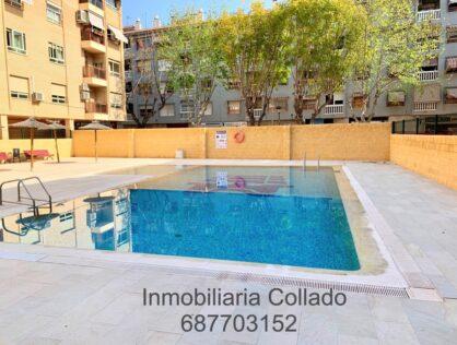 Piso en urbanización con piscina con patio interior en San Juan